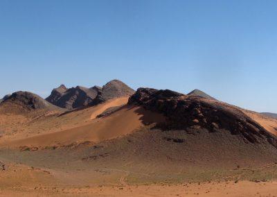 trek-desert-maroc-randonnee-desert-maroc-guide-abdou-vallee-des-roses-mont-mgoun-10
